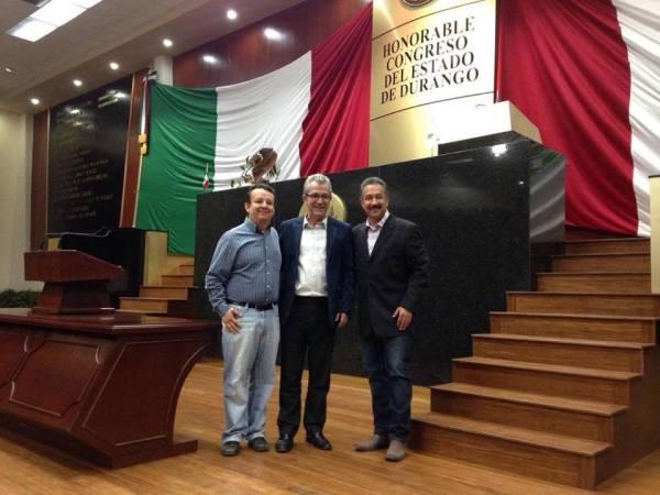 Durango. Carlos Emilio Contreras presidente congreso de Durango - Milton Eloir Lopez